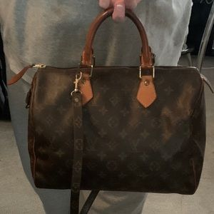 ♦️PRICE DROP♦️**🎉Louis Vuitton‼️MUST SEE‼️**